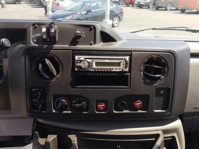 2013 Ford Econoline Cutaway Commercial E-350 Super Duty 158 DRW
