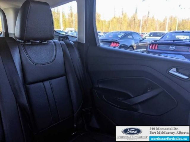 2013 Ford Escape Titanium  |2.0L|Rem Start|Nav|Parking Tech Pkg