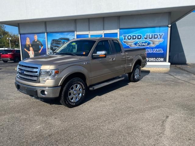 2013 Ford F-150 4WD SuperCab 145 Lariat