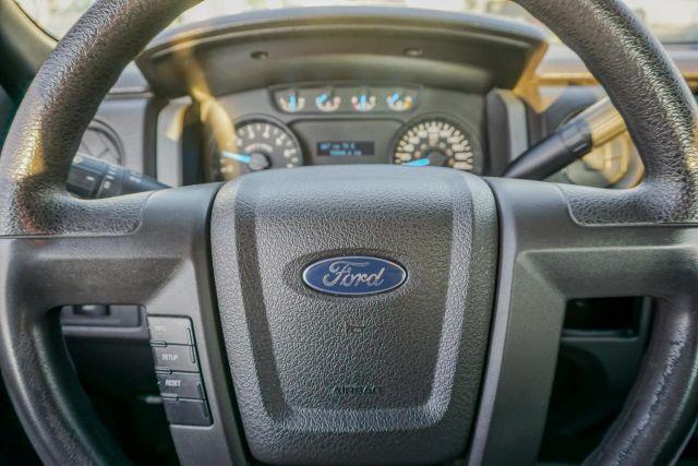 2013 Ford F-150 8 BOX !