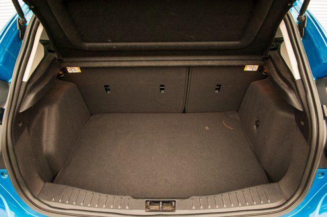2013 Ford Focus SE / WINTER PKG / HEATED SEATS / CLOTH
