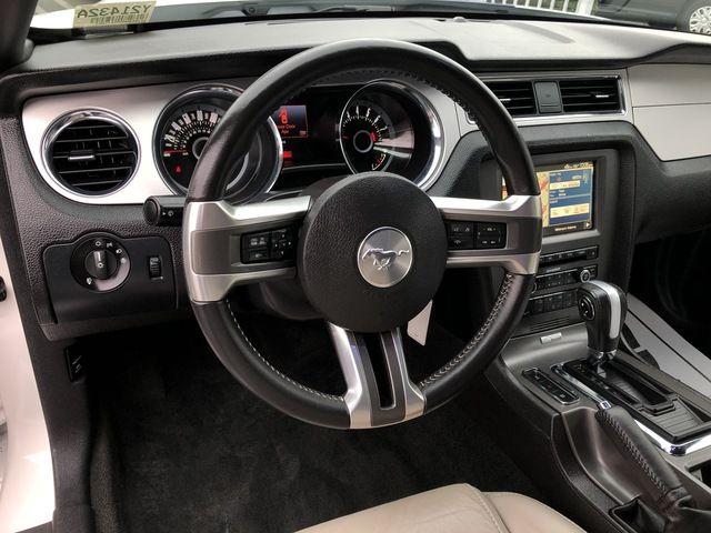 2013 Ford Mustang 2dr Cpe V6 Premium