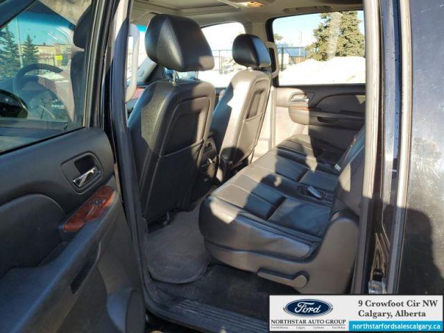 2013 GMC Yukon XL SLT  |LEATHER| SUNROOF| 4X4| 8 SEATER| XL| - $186 B/W