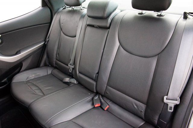 2013 Hyundai Elantra Limited / LEATHER / SUN ROOF / HEATED SEATS