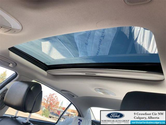 2013 Hyundai Genesis Sedan w/Technology Pkg  |LEATHER| SUNROOF| ONE OWNER|