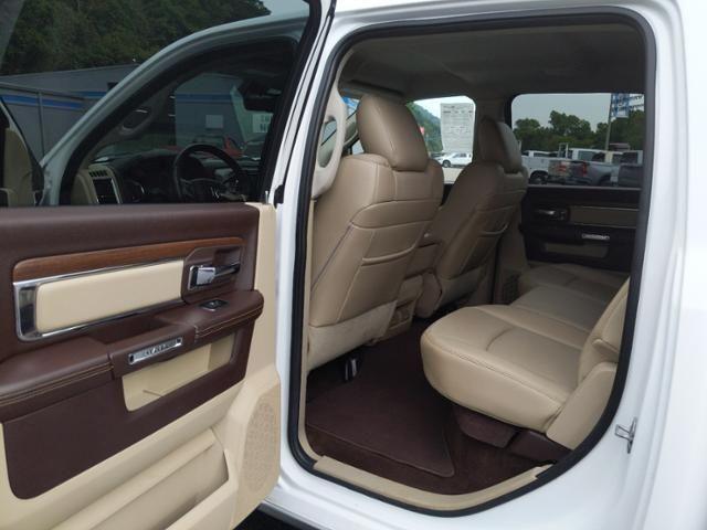 2013 Ram 1500 4WD Crew Cab 140.5 Laramie