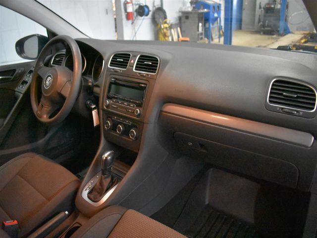 2013 Volkswagen Golf TRENDLINE * CRUISE * A/C *