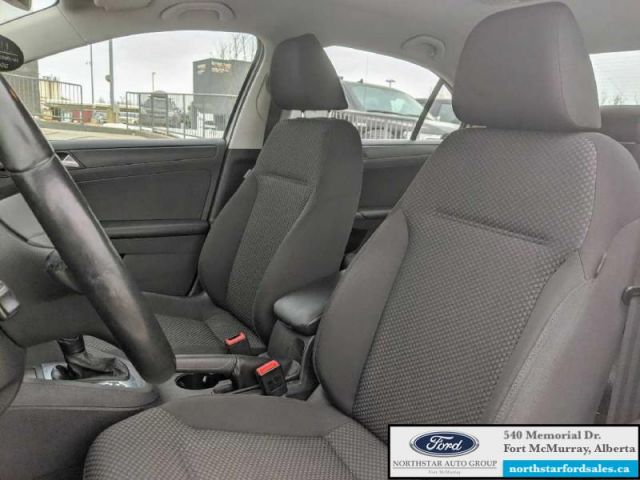 2013 Volkswagen Jetta Comfortline  |2.0L|Heated Seats|2 Sets of Tires with Rims