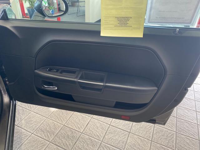 2014 Dodge Challenger 2dr Cpe SXT Plus