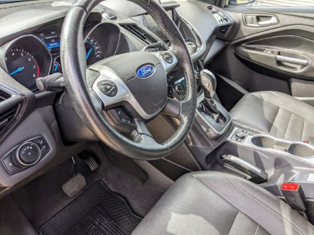 2014 Ford Escape Titanium 4WD   ALBERTA'S #1 PREMIUM PRE-OWNED SELECTION
