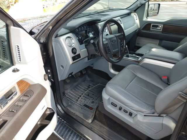 2014 Ford F-150 Lariat  Immaculate 5.0 Lariat F-150