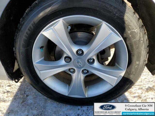 2014 Hyundai Elantra Coupe   CLOTH  MANUAL  COUPE  CLEAN CARFAX  - $71 B/W