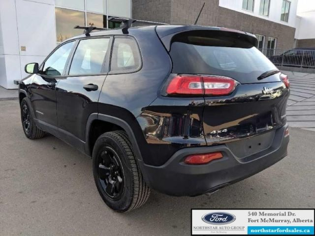 2014 Jeep Cherokee Sport  4X4 3.2L LED Tail Lamps