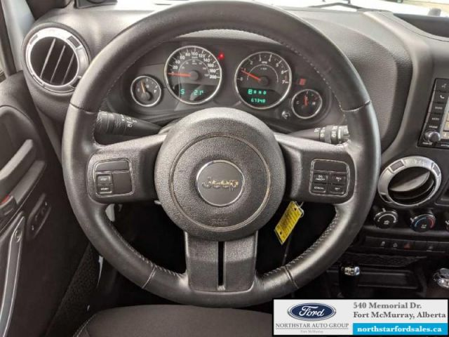 2014 Jeep Wrangler Unlimited Sahara 4X4   3.6L Rem Start Nav Low Mileage