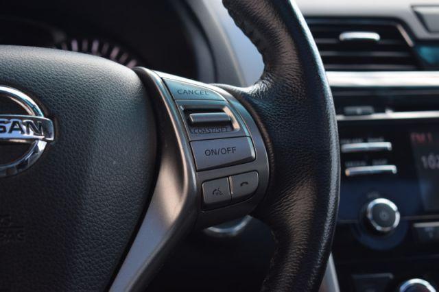 2014 Nissan Altima 2.5 SL  - Sunroof -  Leather Seats