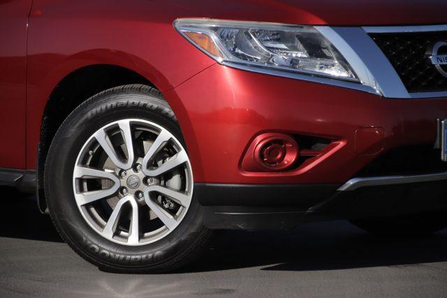 2014 Nissan PATHFINDER SV Sport Utility