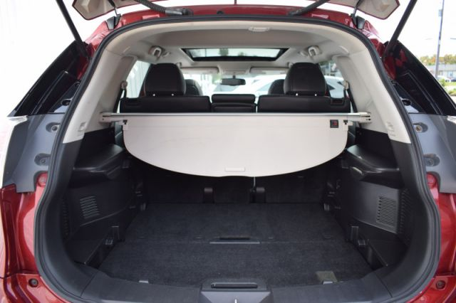 2014 Nissan Rogue SL  - Sunroof -  Leather Seats