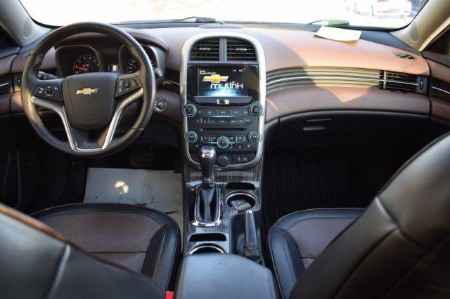 2015 Chevrolet Malibu LTZ    LEATHER   SUNROOF