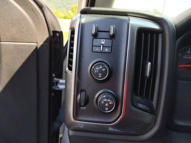 2015 Chevrolet Silverado 1500 4WD Double Cab 143.5 LT w/2LT