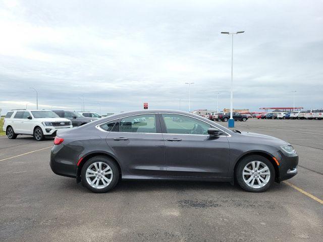2015 Chrysler 200 Limited  $79 / Week!