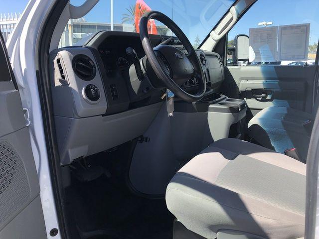 2015 Ford Econoline Cutaway Commercial E-350 Super Duty 138 SRW