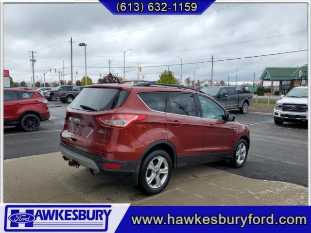 2015 Ford Escape NAV . TOW PACK  - Bluetooth -  Heated Seats