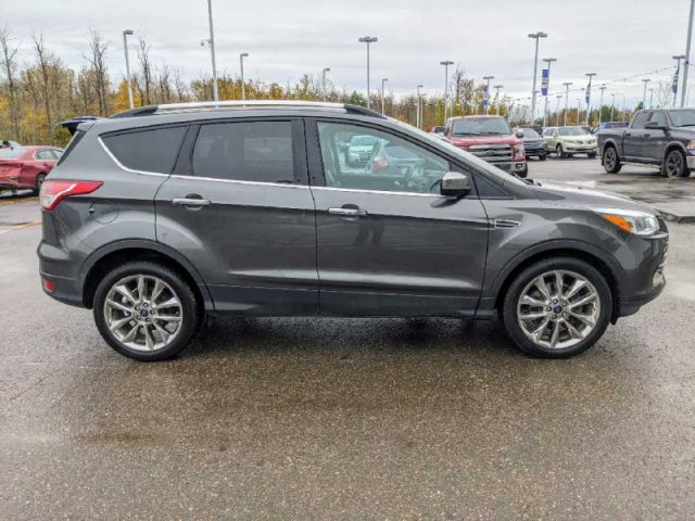 2015 Ford Escape SE 4WD   UP TO $10,000 CASH BACK O.A.C