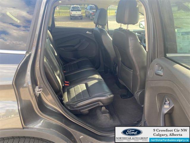 2015 Ford Escape Titanium  |TITANIUM| LEATHER| ROOF| NAV| - $110 B/W