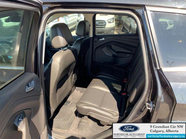 2015 Ford Escape Titanium   LEATHER  NAV  SUNROOF  2.0L   - $142 B/W