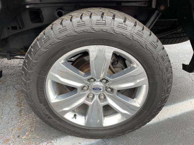 2015 Ford F-150 4WD SuperCrew 145 Platinum