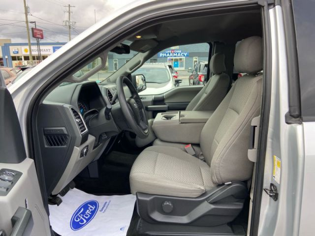 2015 Ford F-150 XLT  - Trade-in - One owner - Power Windows - $212 B/W