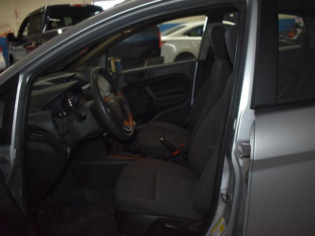 2015 Ford Fiesta 5 DOOR SEDAN S - *MANUAL TRANSMISSION *