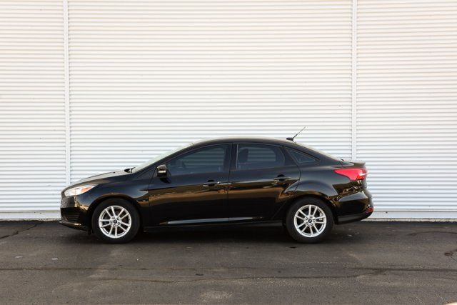 2015 Ford Focus SE / LOW KMS / CLOTH / WINTER PKG (HEATED)