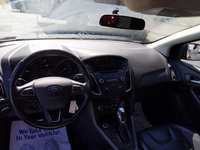 2015 Ford Focus 5dr HB SE