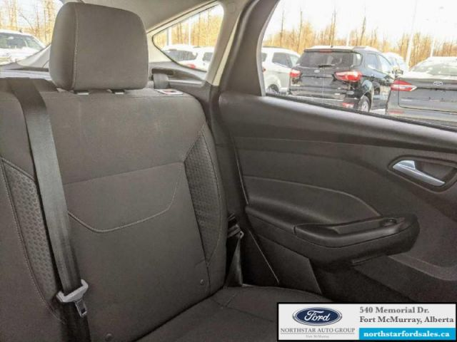 2015 Ford Focus SE Hatch  |2.0L|Rem Start|Winter Pkg