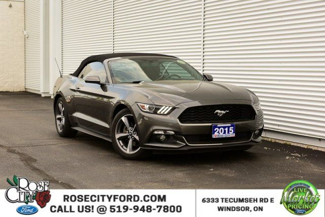 2015 Ford Mustang V6 / ACCIDENT FREE / CONVERTIBLE / BACK UP CAM /