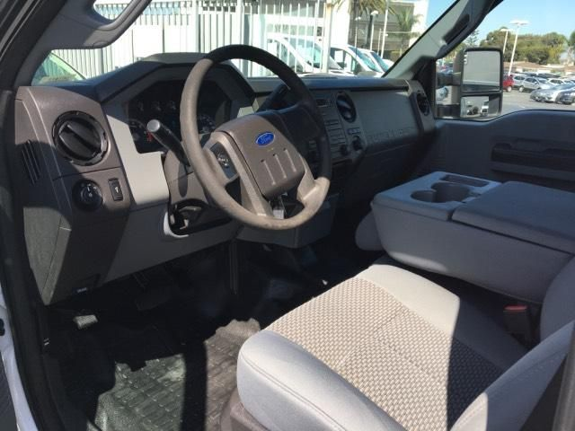 2015 Ford Super Duty F-250 SRW 2WD Crew Cab 172 XL