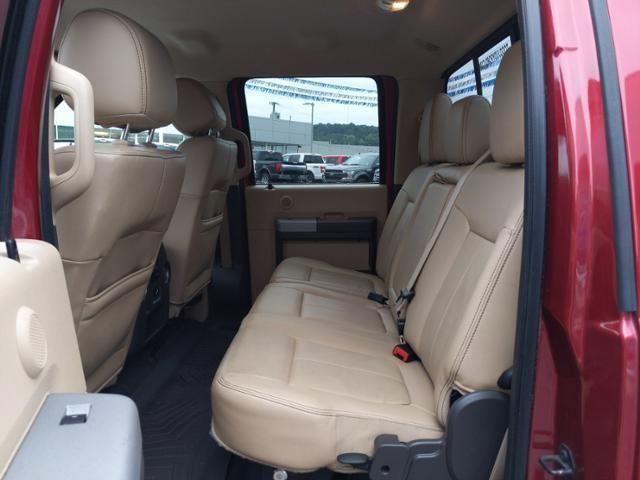2015 Ford Super Duty F-350 DRW 2WD Crew Cab 172 Lariat