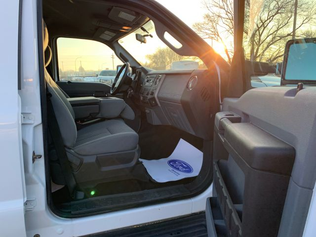 2015 Ford Super Duty F-350 SRW XLT *One Owner*  *Local Trade* Diesel