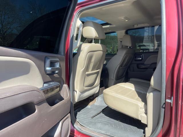 2015 GMC Sierra 2500HD 4WD Crew Cab 153.7 Denali