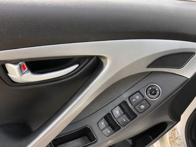 2015 Hyundai Elantra LIMITED  - Sunroof -  Navigation - $112 B/W