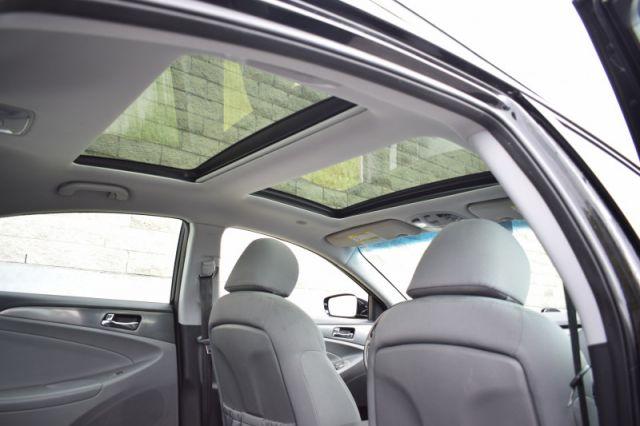 2015 Hyundai Sonata Hybrid LIMITED  - Sunroof