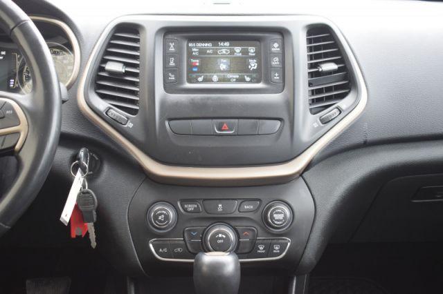 2015 Jeep Cherokee SPORT    HEATED SEATS & WHEEL   CRUISE CONTROL