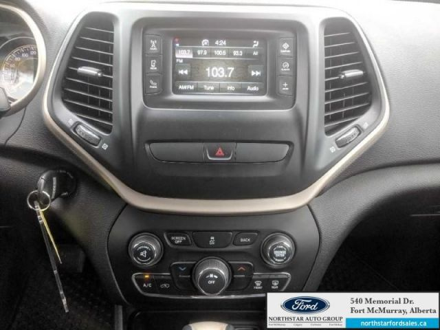 2015 Jeep Cherokee Sport 4X4|2.4L|Rem Start|Cold Weather Group