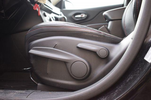 2015 Jeep Cherokee TRAILHAWK  - Bluetooth