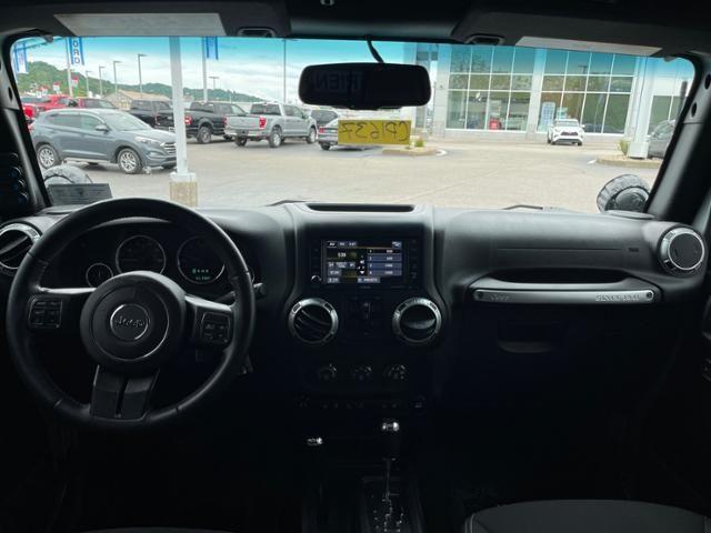 2015 Jeep Wrangler Unlimited 4WD 4dr Sahara