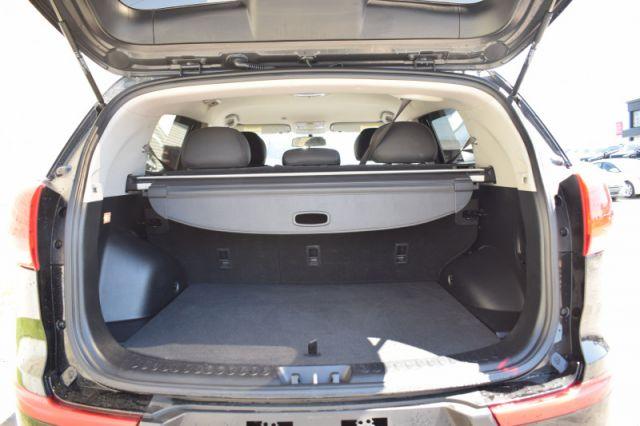 2015 Kia Sportage LX    MANUAL   HEATED SEATS  