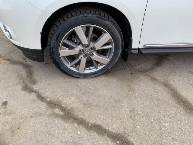 2015 Nissan Pathfinder Platinum **One Owner** **Local Trade**