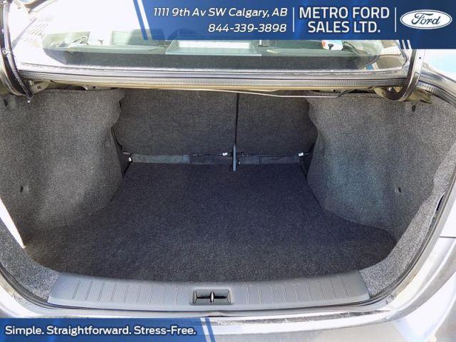 2015 Nissan Sentra 1.8 S CVT  - $97 B/W