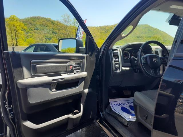 2015 Ram 1500 4WD Quad Cab 140.5 Big Horn